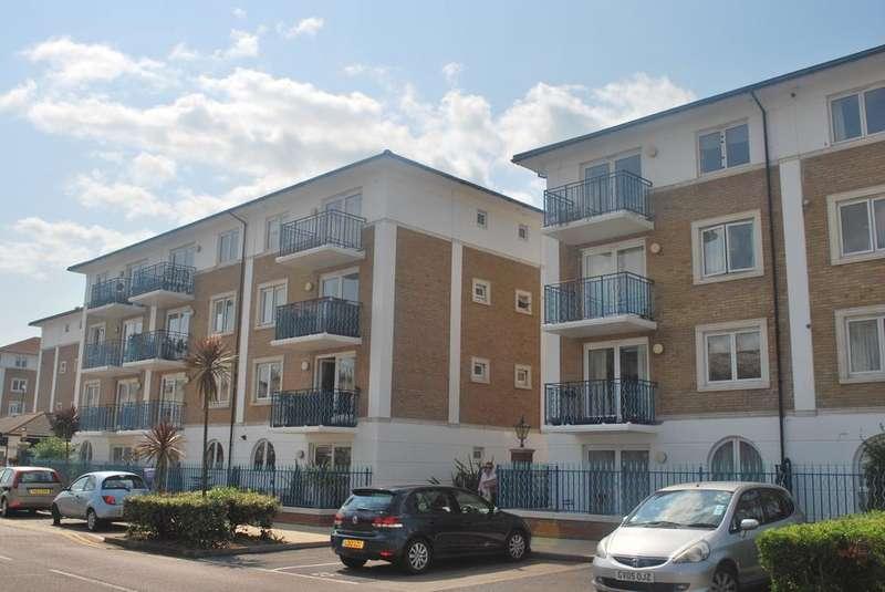 2 Bedrooms Apartment Flat for sale in Britannia Court, The Strand, Brighton Marina, Brighton BN2