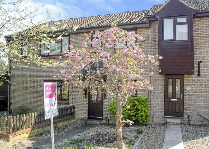 2 Bedrooms Terraced House for sale in Chisbury Close, Bracknell, Berkshire, RG12