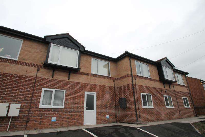 3 Bedrooms Ground Flat for rent in Alexandra Road, Nottingham, NG5 1RP