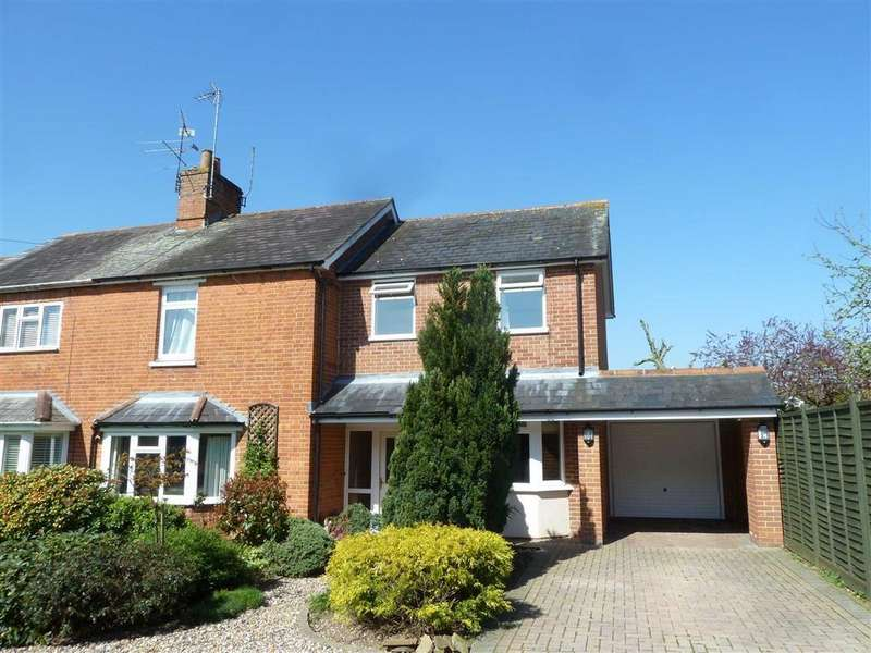 3 Bedrooms Semi Detached House for sale in Russet Close, Sonning Common, Sonning Common Reading