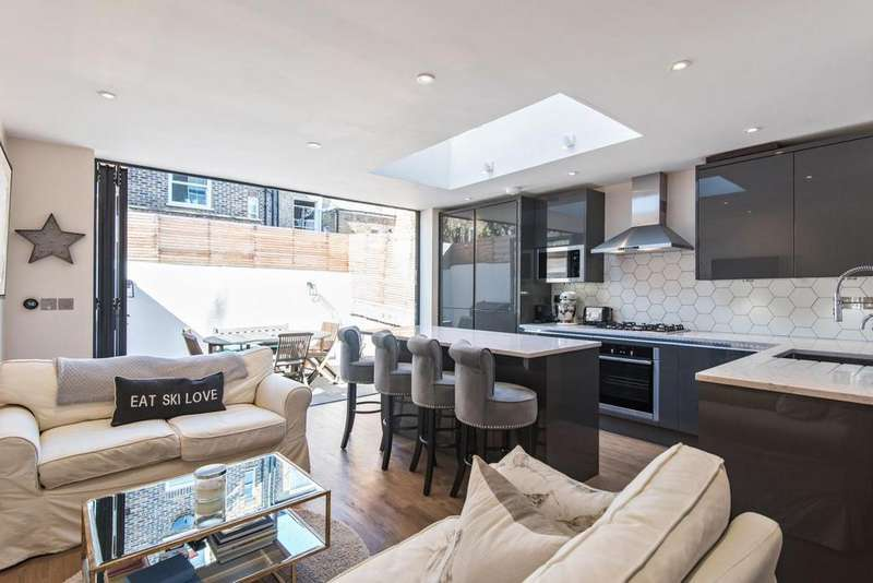 2 Bedrooms Flat for sale in Armadale Road, Fulham