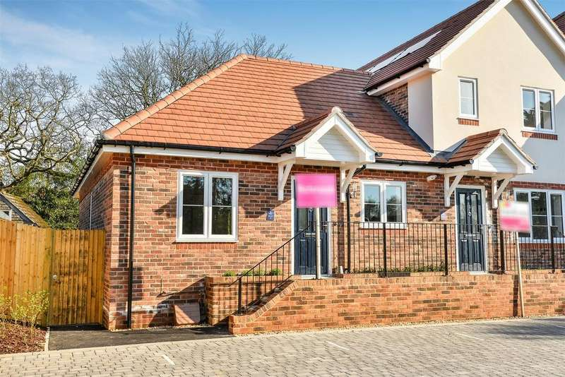 2 Bedrooms Semi Detached Bungalow for sale in Hobb Lane, Hedge End, Southampton, Hampshire