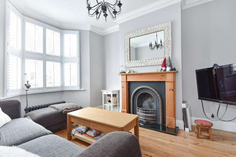 4 Bedrooms Terraced House for sale in Grasmere Road London SE25