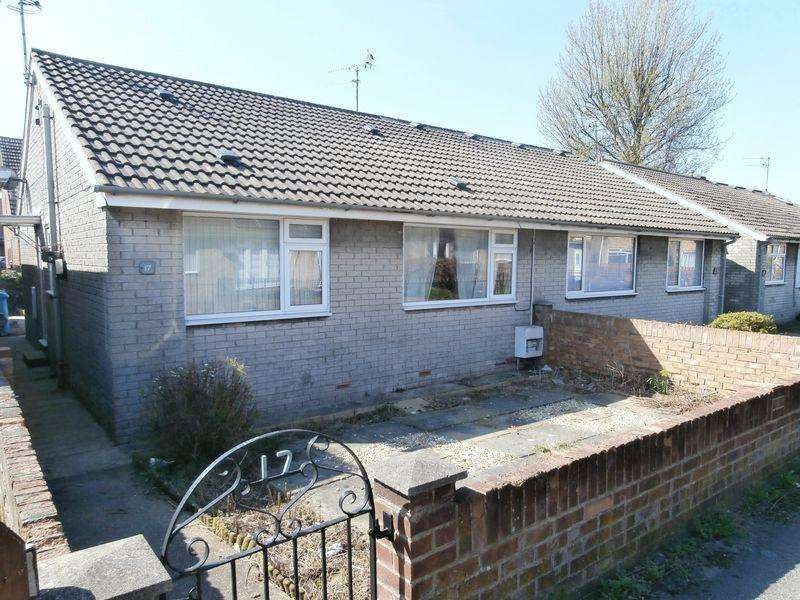 2 Bedrooms Semi Detached Bungalow for sale in Ridsdale, Hull