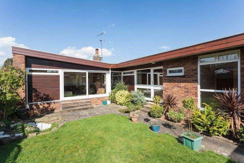 3 Bedrooms Bungalow for sale in Princess Grove, Wistaston
