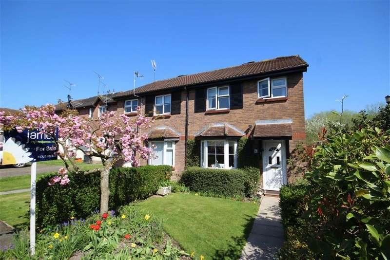 3 Bedrooms Semi Detached House for sale in Yeoman Close, Middleleaze, Swindon