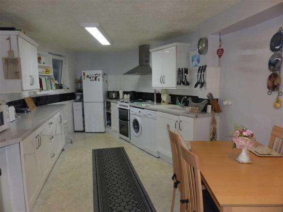 3 Bedrooms Property for sale in Fortuneswell, Portland, Dorset