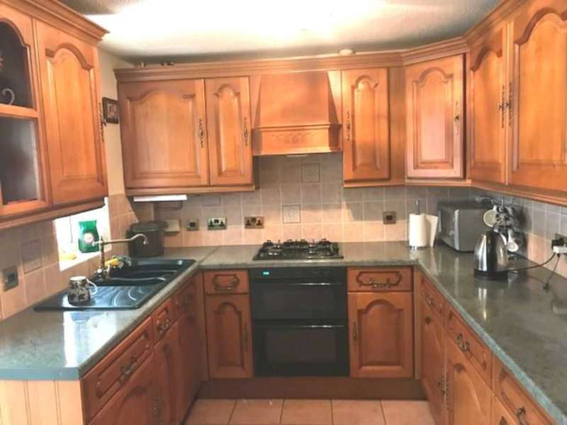 3 Bedrooms Apartment Flat for sale in Cullodon Close, London, SE16 3JH