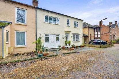 3 Bedrooms Terraced House for sale in Melbourne Terrace, Bradville, Milton Keynes, Buckinghamshire