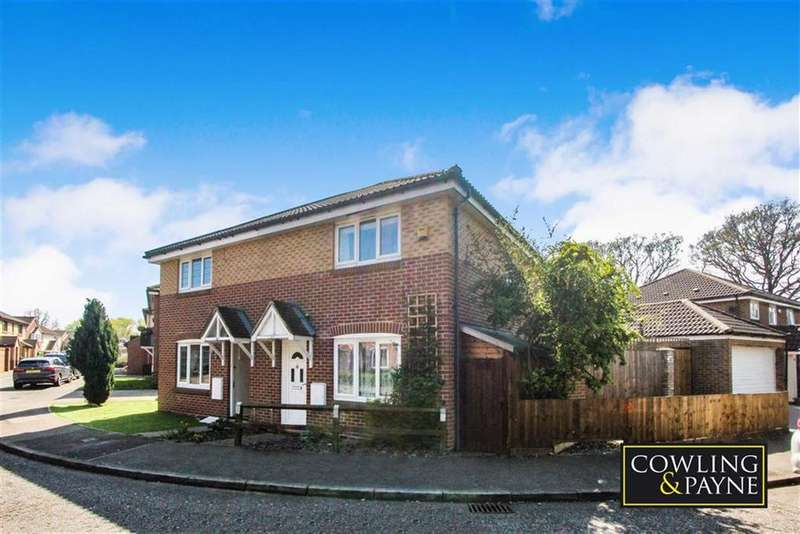 3 Bedrooms Semi Detached House for sale in Maitland Road, Wickford, Essex