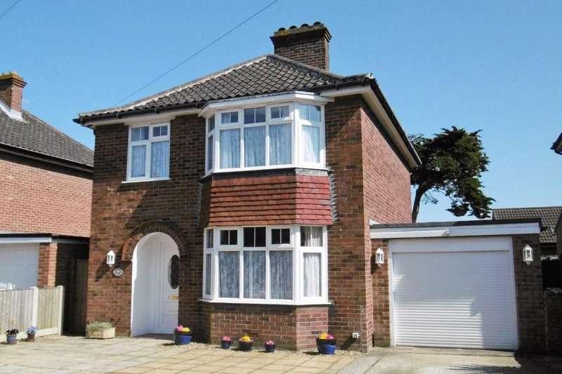 3 Bedrooms Detached House for sale in Sheringham