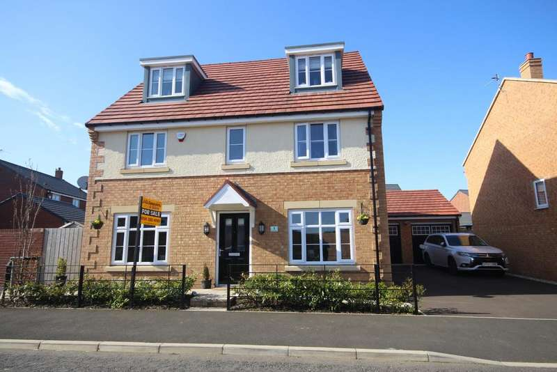 5 Bedrooms Detached House for sale in Hauxley Drive, West Park, Whitley Bay, NE25