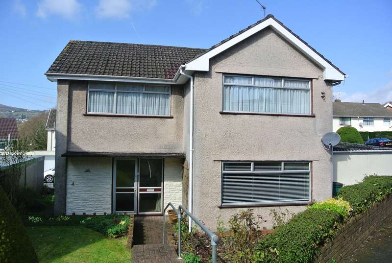 3 Bedrooms Detached House for sale in Afon Close, New Inn, Pontypool, NP4