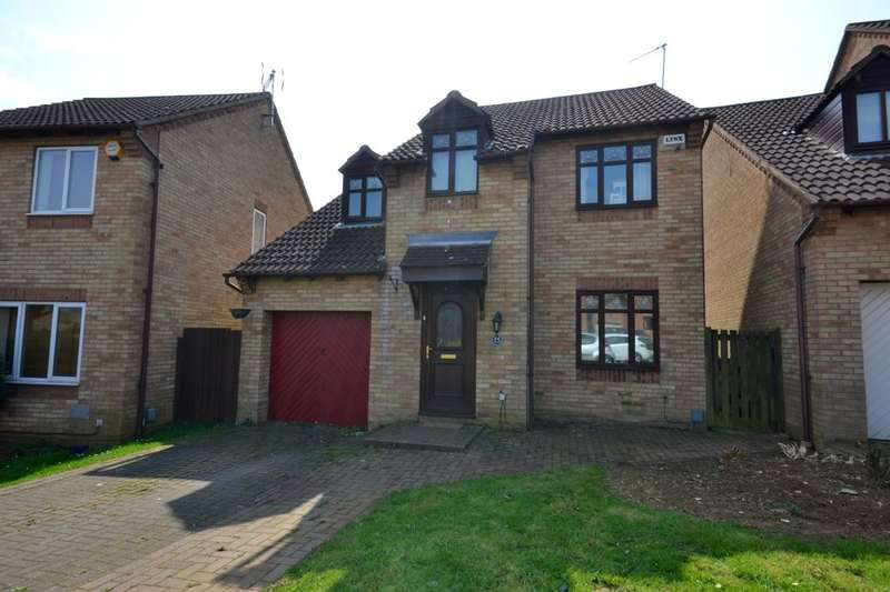 4 Bedrooms Detached House for sale in Allard Close, Northampton, NN3