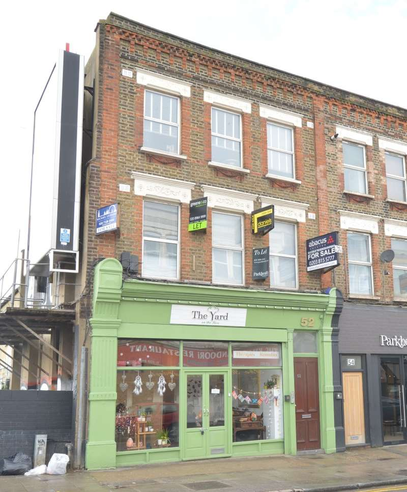 2 Bedrooms Flat for sale in Flat B, Chamberlayne Road, Kensal Rise, London, NW10 3JH