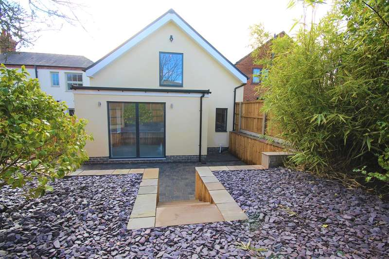 3 Bedrooms Detached House for sale in Derby Road, Ripley