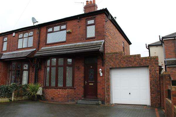 3 Bedrooms Semi Detached House for sale in Wimbledon Rd, Manchester