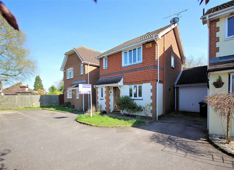 3 Bedrooms Link Detached House for sale in Old School Place, Woking, Surrey, GU22
