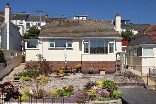 2 Bedrooms Detached Bungalow for sale in Broadpark Road, Paignton, Devon