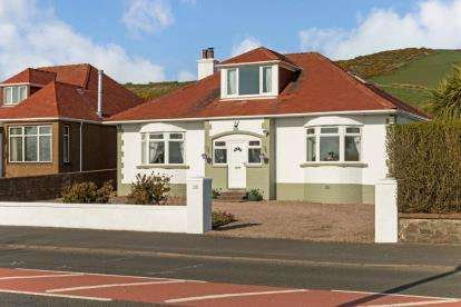 4 Bedrooms Detached House for sale in Ardrossan Road, Seamill