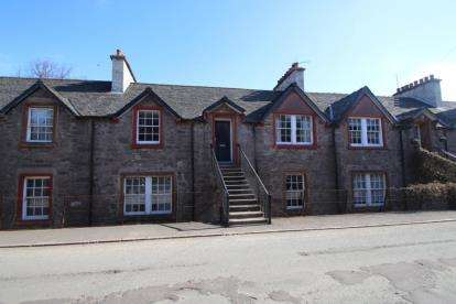 2 Bedrooms Flat for sale in Teith Road, Deanston