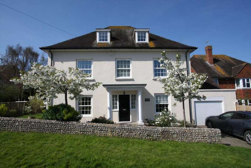 5 Bedrooms Detached House for sale in Upper Kings Drive, Eastbourne BN20