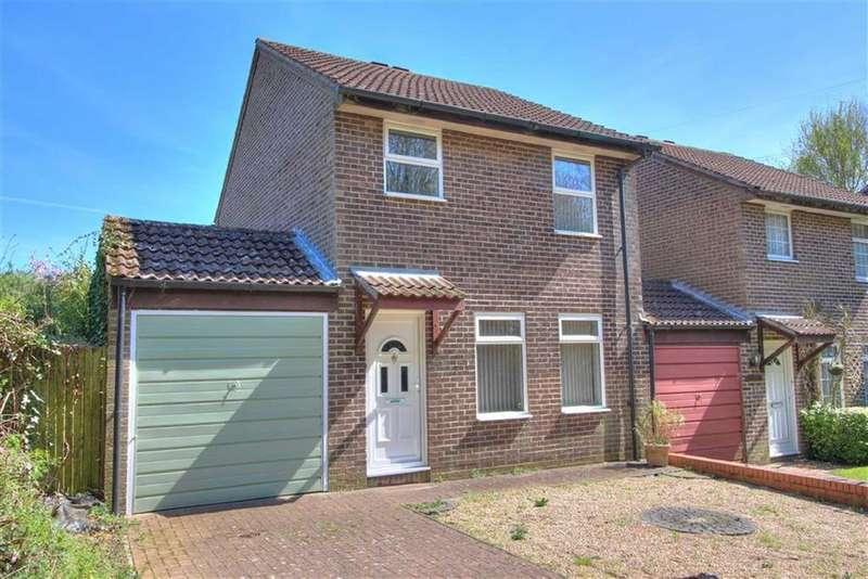 3 Bedrooms Link Detached House for sale in Allbrook Knoll, Allbrook, Eastleigh, Hampshire