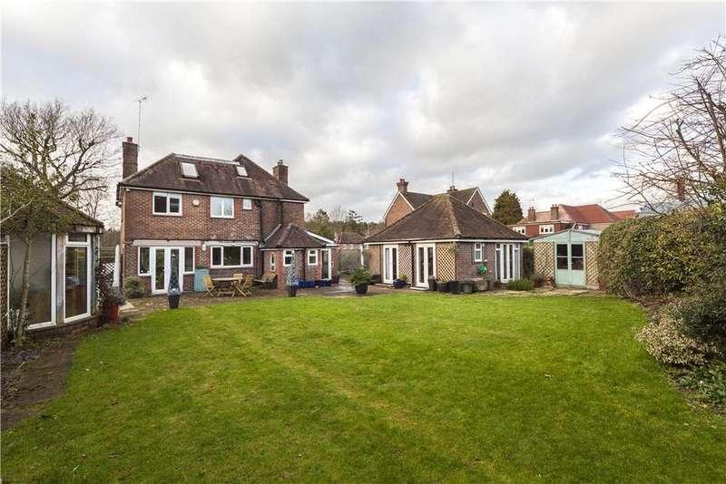 6 Bedrooms Detached House for sale in Pondtail Road, Horsham, West Sussex, RH12