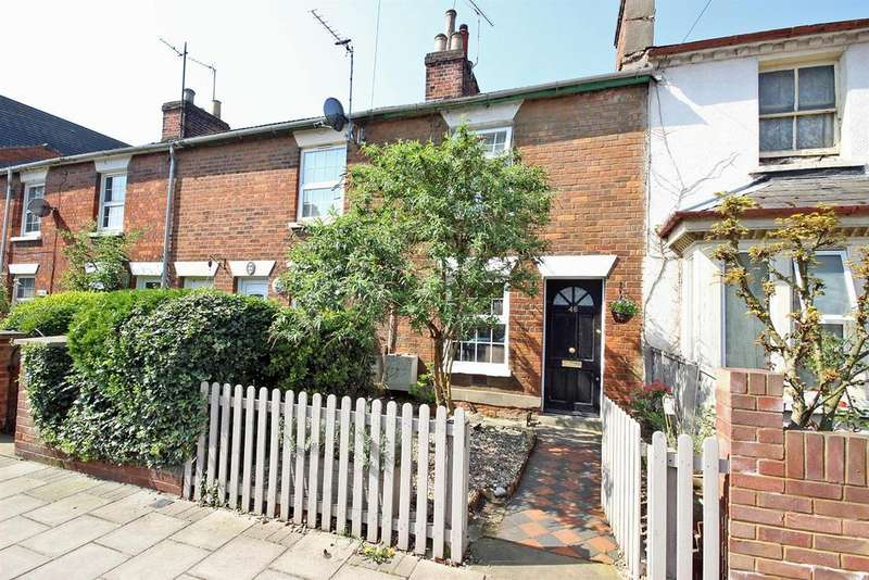 2 Bedrooms Terraced House for sale in Foster Hill Road, Bedford