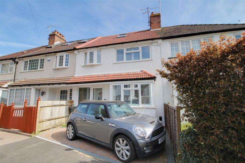 3 Bedrooms Terraced House for sale in Roke Lodge Road, Kenley