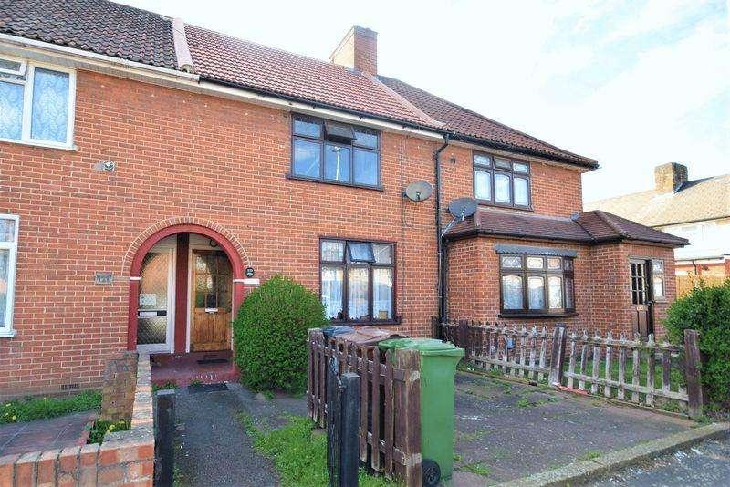 2 Bedrooms Terraced House for sale in Markyate Road, Dagenham