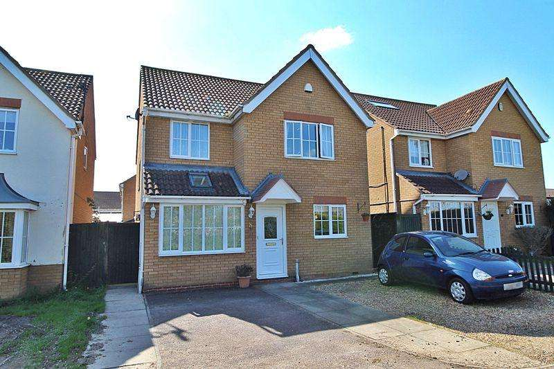 4 Bedrooms Detached House for sale in Berwick Way, Sandy
