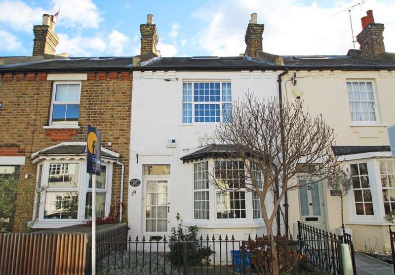 3 Bedrooms House for sale in Just off Ham Common, Ham