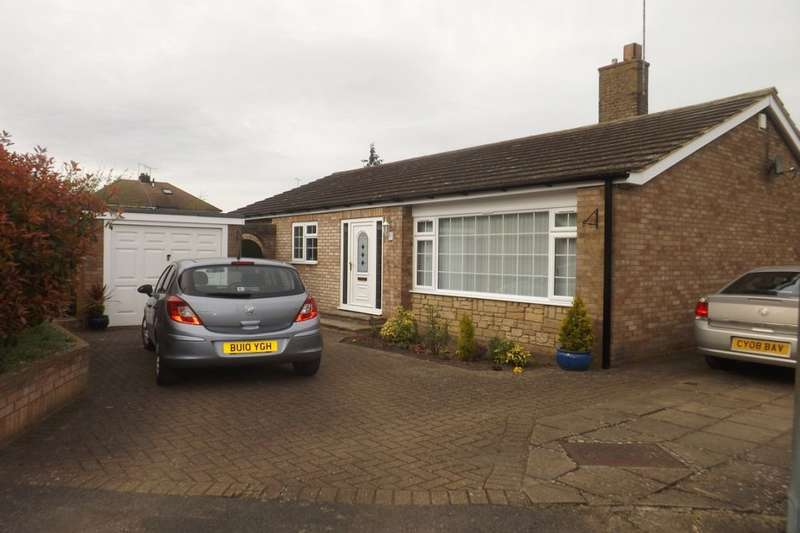 3 Bedrooms Detached Bungalow for sale in Hayley Court, Houghton Regis, Dunstable, LU5