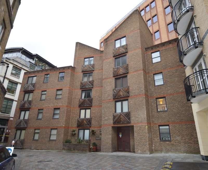 Flat for sale in Aldersgate Court, Bartholomew Close, Barbican, London, EC1A 7ES