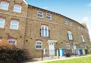 3 Bedrooms Terraced House for sale in Eveas Drive, Sittingbourne, Kent