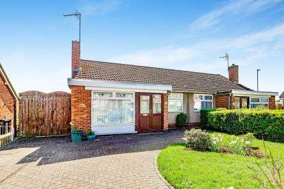 2 Bedrooms Bungalow for sale in Park Lane, Duston, Northamptonshire, Na