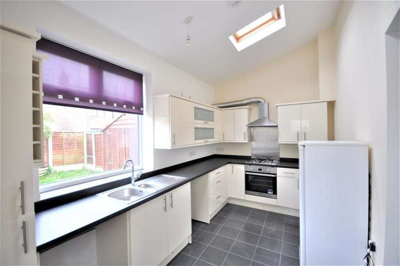 3 Bedrooms Semi Detached House for sale in Dunelt Road, Blackpool, Blackpool, Lancashire, FY1 6LS