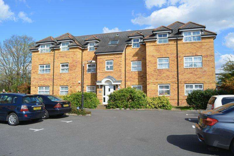 2 Bedrooms Apartment Flat for sale in Rutland Avenue, Slough