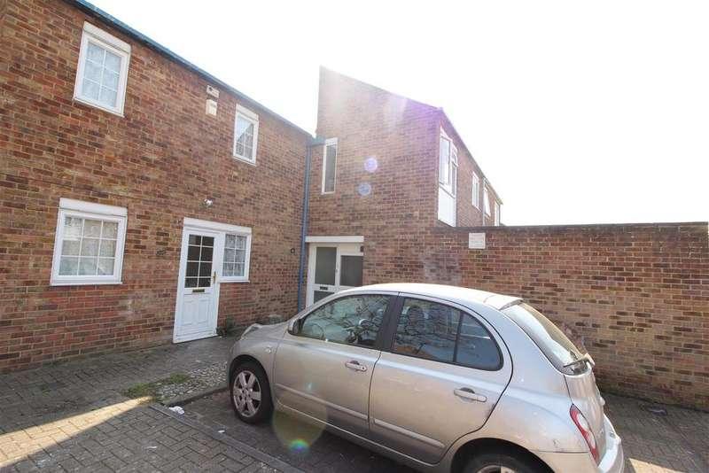 4 Bedrooms Terraced House for sale in Brockles Mead, Harlow