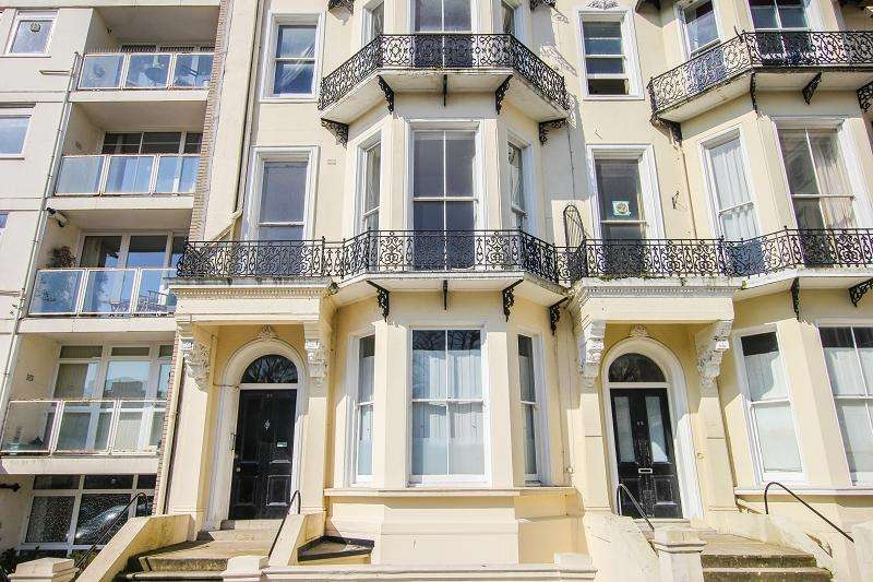 1 Bedroom Ground Flat for sale in Warrior Square, St. Leonards-on-sea, East Sussex.