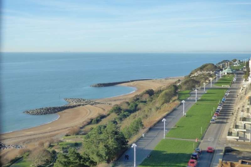 3 Bedrooms Flat for sale in The Leas, Folkestone, CT20
