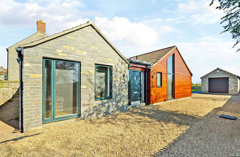 3 Bedrooms Detached Bungalow for sale in Castle Street, Keinton Mandeville, Somerton, Somerset, TA11