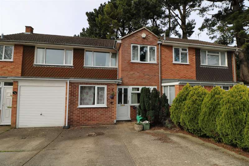 4 Bedrooms Terraced House for sale in Cecil Aldin Drive, Tilehurst, Reading