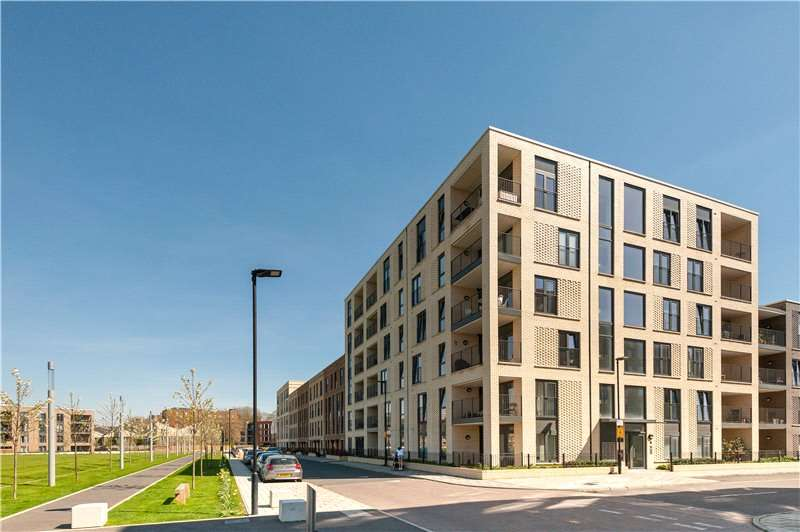 2 Bedrooms Flat for sale in Bramah Road, Oval, London, SW9