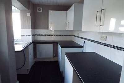 2 Bedrooms House for rent in Peart Street, Burnley