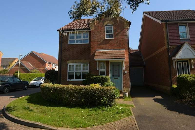 3 Bedrooms Link Detached House for sale in Dove Close, Kingsnorth