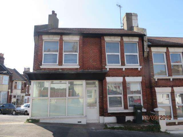 4 Bedrooms End Of Terrace House for rent in Bear Road, Brighton