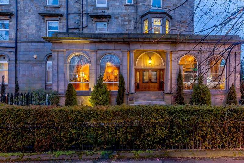 4 Bedrooms Flat for sale in Windsor Court, Prince of Wales Mansions, York Place, Harrogate, HG1