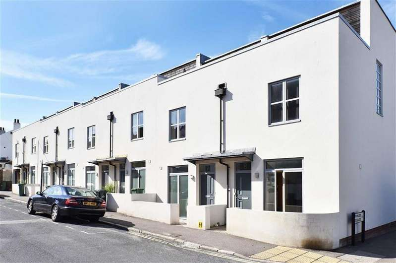 3 Bedrooms Terraced House for rent in Sussex Row, Kemp Town Brighton